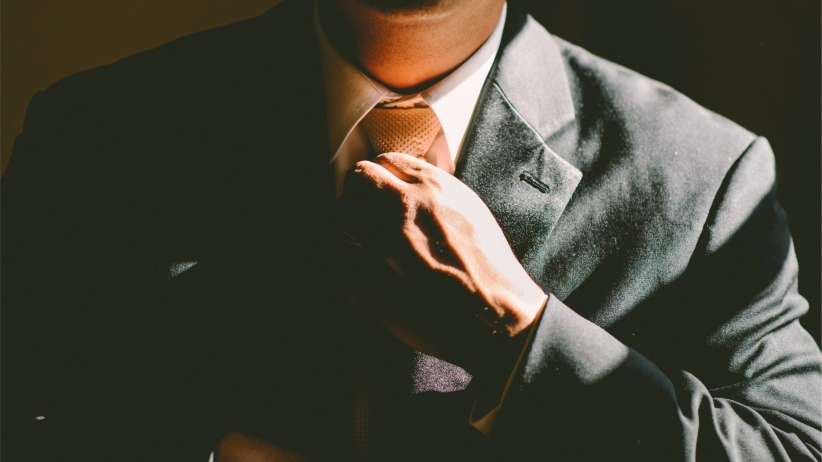 20150312150934-traits-successful-entrepreneurs-man-tie-confident-suit-businessman